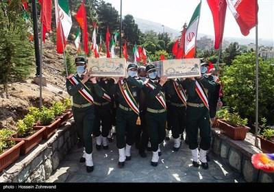مراسم تشییع پیکر دو شهید گمنام در روضه الشهدای جماران