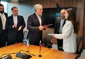 Iran, Russia Ink Agreement on Visa-Waiver Program