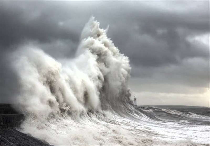 هشدار طوفان و امواج 7 متری در سواحل مکران
