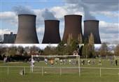 تخریب نیروگاه برق در نزدیکی زمین فوتبال بازیکنان را شوکه کرد!+ فیلم