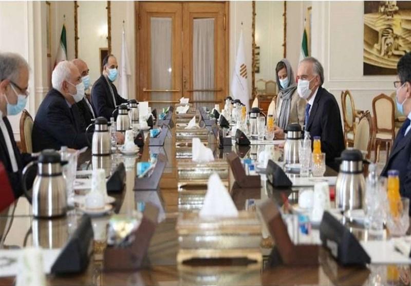 ظریف یؤکد على دعم ایران للمحادثات بین الاطراف الافغانیة