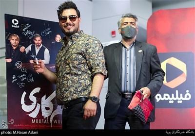 جواد عزتی در اکران خصوصی سریال «زخم کاری»