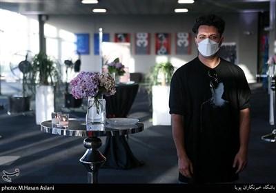 اشکان خطیبی در اکران خصوصی سریال «زخم کاری»