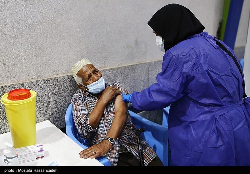 فرایند واکسیناسیون در خوزستان تداوم مییابد/دوز دوم واکسن براساس اولویت تزریق میشود