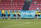 یورو 2020  عقبنشینی یوفا برابر اوکراین؛ حفظ شعارهای سیاسی روی پیراهن