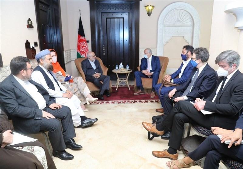 تسریع مذاکرات با طالبان؛ محور دیدار خلیلزاد با تیم مذاکراتی افغانستان