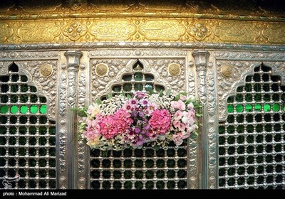 آیین گل آرایی ضریح حضرت معصومه(س)