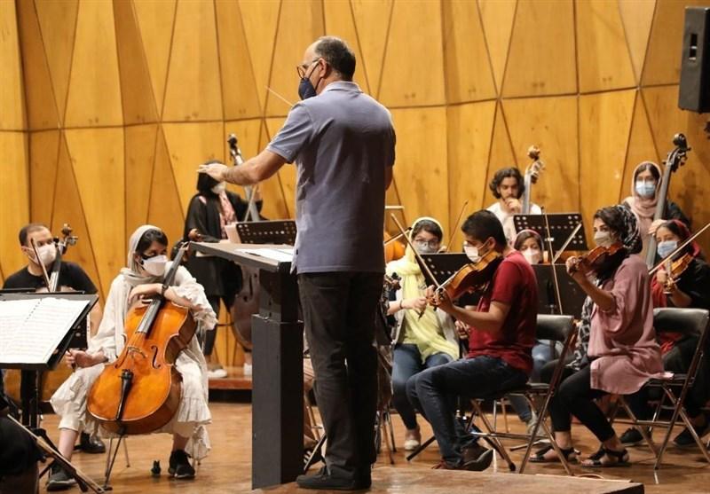هفته نخست مسترکلاسهای رهبری ارکستر بنیاد رودکی برگزار شد