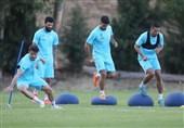 بازیکنان استقلال تمرین را تحریم کردند/ شعار هواداران علیه مددی، سلطانیفر، علینژاد و اسپانسر باشگاه