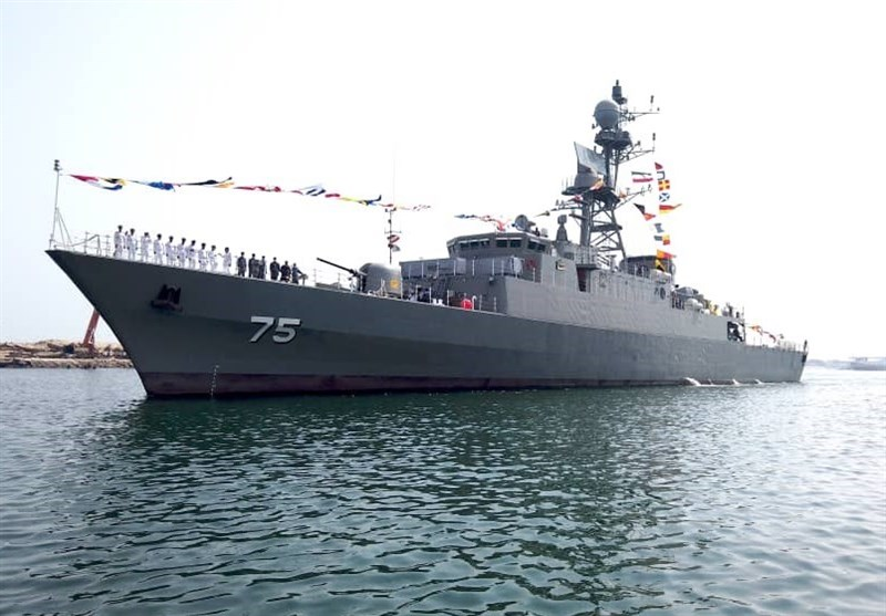 New Destroyer, Minesweeper Join Iran's Navy