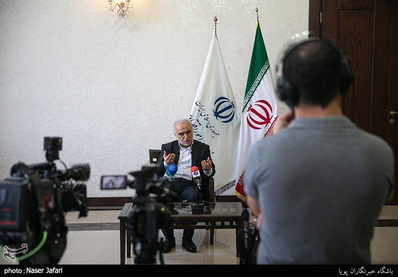 نشست وزیر اقتصاد با خبرنگاران