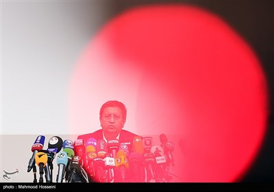 نشست خبری عبدالناصر همتی کاندیدای سیزدهمین دوره انتخابات ریاست جمهوری