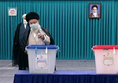 امام خامنه ای: یک رای هم مهم است/نفع رای دادن را اول خود مردم میبرند