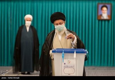 Ayatollah Khamenei Votes in Presidential Election, Urges Maximum Turnout