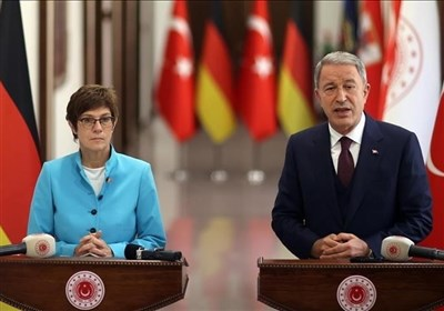 گفتوگوی وزرای دفاع ترکیه و آلمان درباره نقش آنکارا در افغانستان