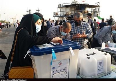 رئیس ستاد انتخابات استان بوشهر: مشارکت استان بوشهر 57.8 درصد بود / آیتالله رئیسی 67 درصد کل آرا را کسب کرد