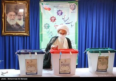حضور آیت الله نوری همدانی در انتخابات 1400