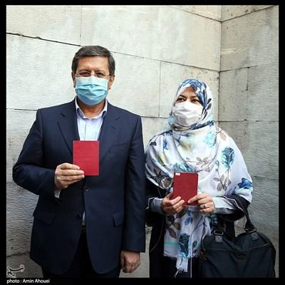 حضور عبدالناصر همتی پای صندوق رای