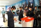 مشاهدات میدانی خبرنگاران تسنیم از روند برگزاری انتخابات در استان کرمانشاه / بروز مشکل در سیستمهای الکترونیکی برخی شعب