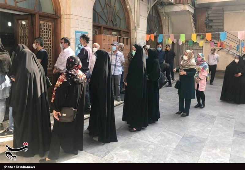 صفهای طولانی مردم گلستان در انتخابات 1400 / امید مردم به صندوقهای رأی برای بهبود وضعیت اقتصادی + فیلم