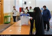 نماینده ولی فقیه در استان کرمانشاه: تأثیر رأی مردم در تمام شئون کشور از هنر انقلاب است
