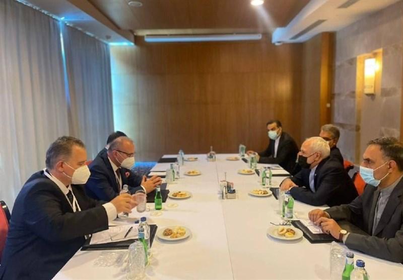 Zarif: Iran Eager to Boost Economic Ties with Croatia