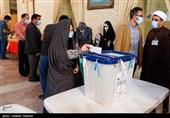 افزایش مشارکت در شهرستانهای استان اصفهان/ فرمانداران: هر لحظه بر تعداد جمعیت افزوده میشود