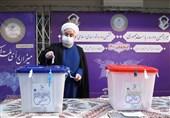 روحانی یدلی بصوته فی الانتخابات الرئاسیة