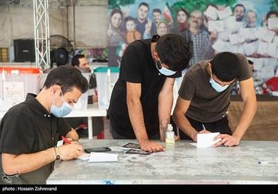 حضور پرشور مردم دیار علویان در نیمه شب 29 خرداد/ برای مازندرانیها انتخابات تازه شروع شده است + فیلم