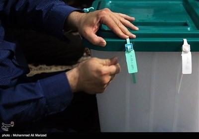 عملیة فرز الاصوات فی الانتخابات الایرانیة مستمرة