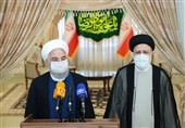 روحانی در دیدار با رئیسی: اعضای دولت در کنار رئیسجمهور منتخب هستند