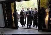 نمایشگاه آثار برگزیده جشنواره هنرهای تجسمی رضوی در استان بوشهر افتتاح شد+ تصاویر