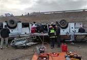 دستور استاندار آذربایجان غربی برای انتقال تمام مصدومان به ارومیه / جاده روستایی و شرایط فنی اتوبوس مناسب نبود + فیلم
