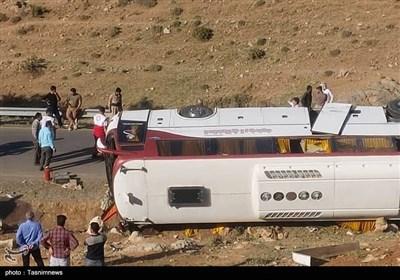 واژگونی اتوبوس خبرنگاران در آذربایجان غربی