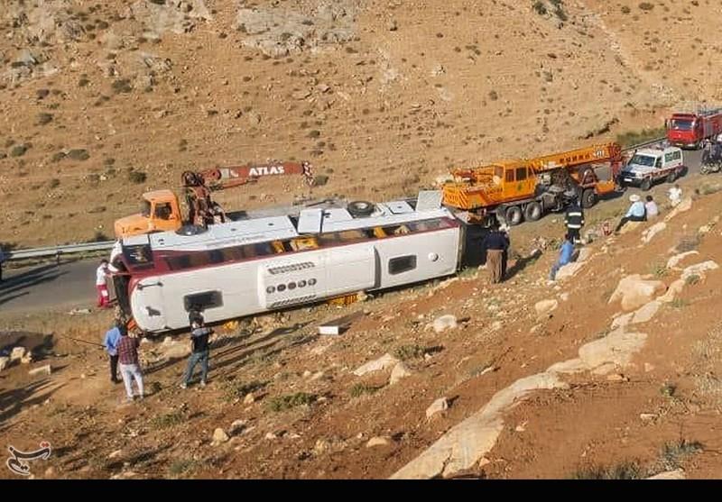 """یادداشت """"علی دارابی"""" درباره حادثه تلخ اتوبوس خبرنگاران و سربازان"""