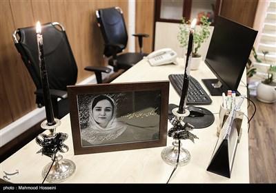 محل کار ریحانه یاسینی خبرنگار ایرنا که در حادثه واژگونی اتوبوس حامل خبرنگاران جان باخت