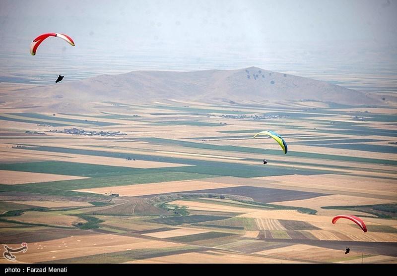 مسابقات آزاد پاراگلایدر در کرمانشاه