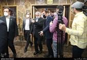 اقدام عجیب برای بدرقه کاروان ایران در اوج شیوع کرونا/ انتقال از فضای سر باز به محیط سربسته!
