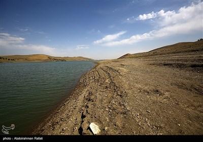 کاهش شدید آب سد اکباتان همدان