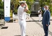 احترام ویژه فرمانده نیروی دریایی فرانسه به امیر خانزادی