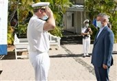 Iranian, French Navy Chiefs Meet on Reunion Island