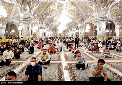 محفل شعر قرار در رواق امام خمینی (ره) حرم مطهر رضوی