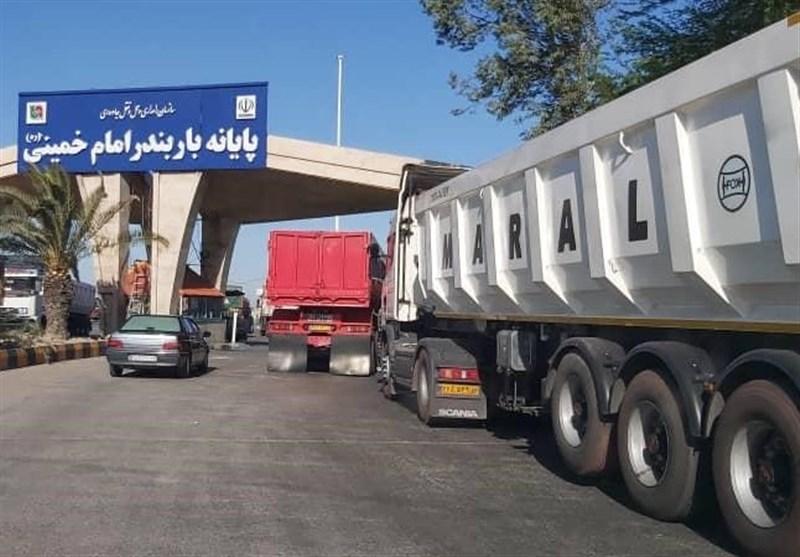 اعتراض و اعتصاب کامیونداران تکذیب شد/ معطلی ۱۴ ساعته کامیونها در بنادر برای حمل کالای اساسی