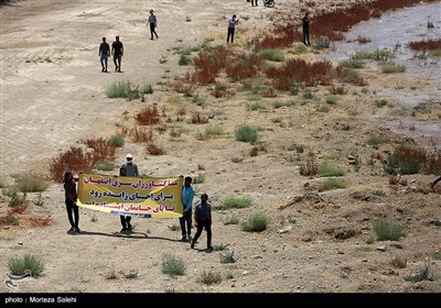 جاری شدن زاینده رود در شهراصفهان