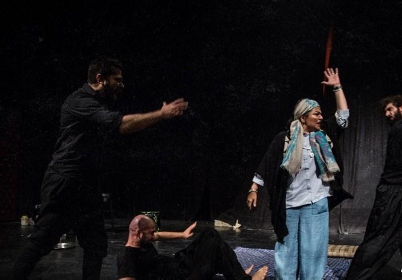«غربتی»ها بر صحنه تئاتر/ گزارش میدانی تسنیم از نمایش «خاک سفید» + فیلم