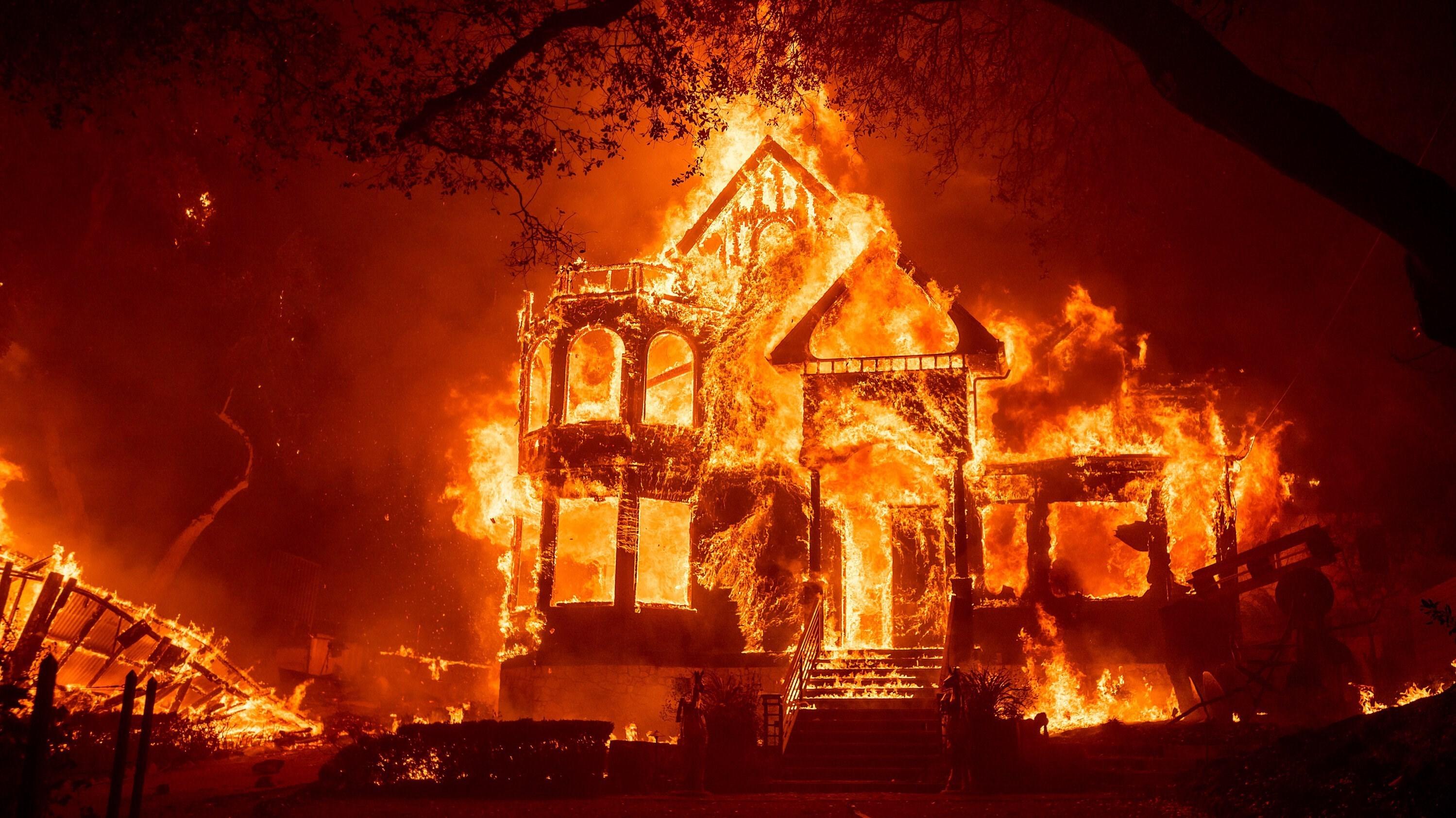 ارتفاع حصیلة قتلى حرائق الغابات فی ترکیا