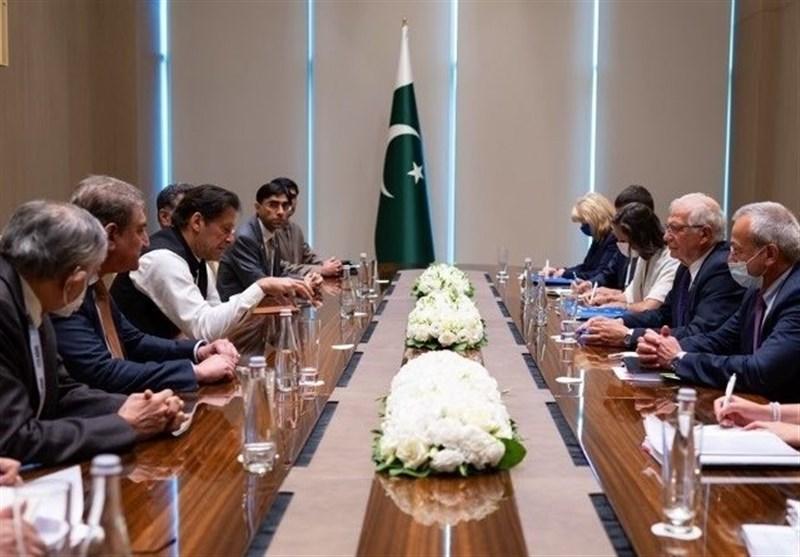 رایزنی بورل با عمران خان و اشرف غنی درباره تحولات افغانستان