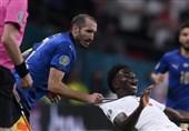 اقدام عجیب یک هوادار ایتالیایی برای ثبت خاطره قهرمانی کشورش در یورو 2020!+ عکس