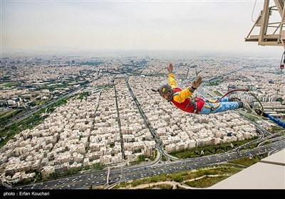 پرش افشین عراقی از بلندترین سکوی بانجی جامپینگ دنیا