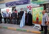 نقاشی «دختران مکتب سیدالشهدا(ع)» در مشهد مقدس رو نمایی شد / قدیریان تابلوی خود را به مادران شهدای کابل تقدیم کرد
